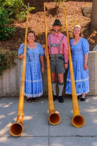 DP_060727_0607_rocky_mountain_alphorn_trio[1]web